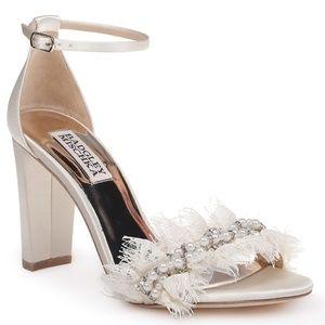 Size 7 Badgley Mischka Fleur Ivory Sandals